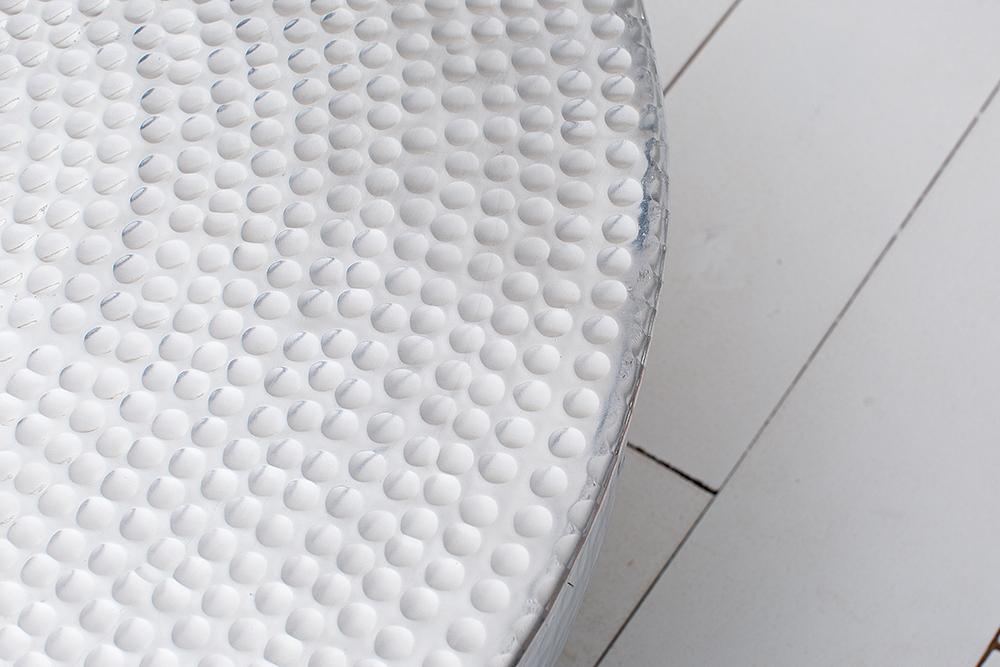 Couchtisch orient ii 70cm aluminium silber hammerschlag for Wohnzimmertisch silber