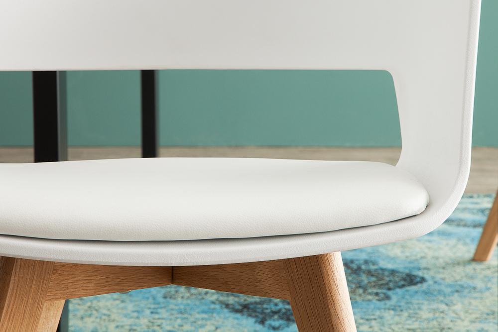 Design stuhl nordic star mit beinen aus eiche farbwahl for Stuhle nordic design