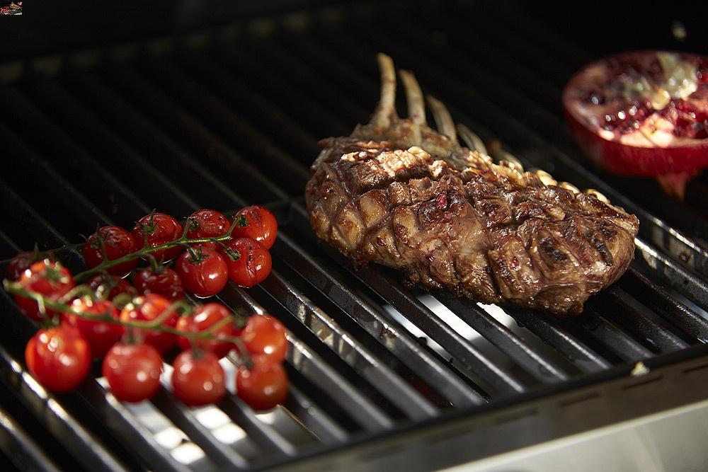 Rösle Gasgrill Mit Steakzone : RÖsle videro g4 s gasgrill mit steakzone schwarz mit abdeckhaube